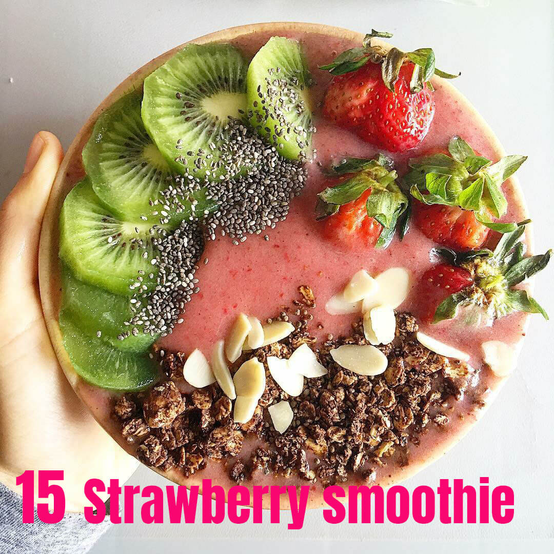 15. Strawberry smoothie bowl
